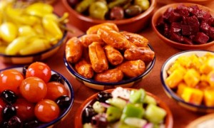 Spanish Tapas food 300x180 TRAVEL GUIDE TO SPANISH FOOD