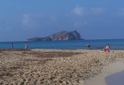 SPAIN BEST BEACHES TRAVEL GUIDE